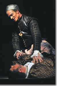 (Top to bottom) Christopher Ainslie as Amadigi and David Trudgen as Dardano
