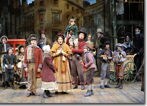 The Cratchit Family and the cast