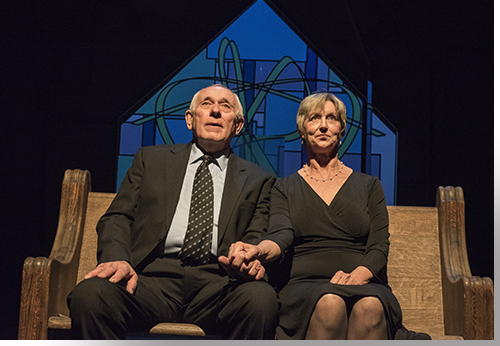 Jim Hunt as Joe and Anne Sandoe as Roberta