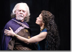 Philip Pleasants as King Lear and Kathleen McCall as Regan
