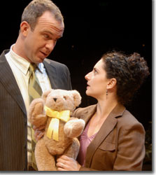 Christopher Burns and Makela Spielman as Richard and Nancy Robin