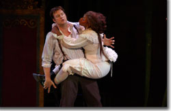 Robert Tobin as Lysander and Alexandra Lewis as Hermia