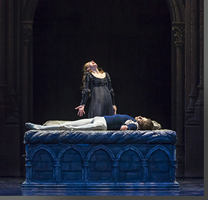 Sharon Wehner as Juliet and Yasvani Ramos as Romeo